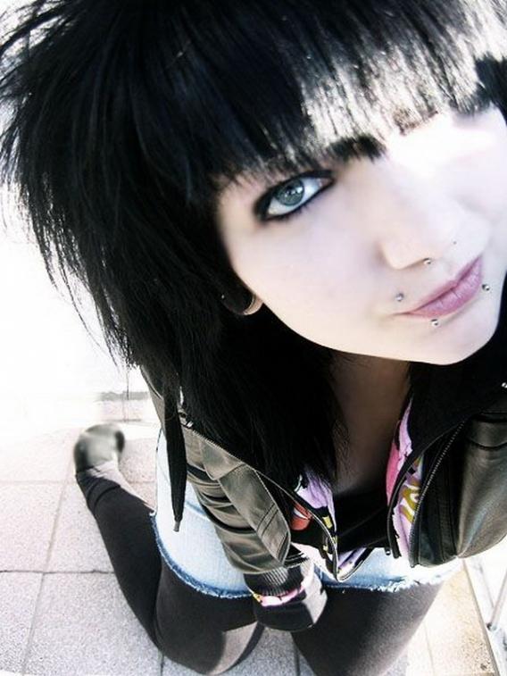 Cute Emo Girls 48 Pics: Cute Emo Girls With Black Hair
