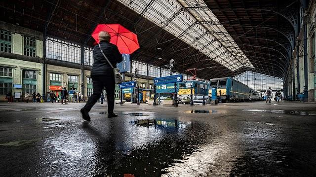 Váltóhiba miatt fennakadások vannak a Nyugati pályaudvaron