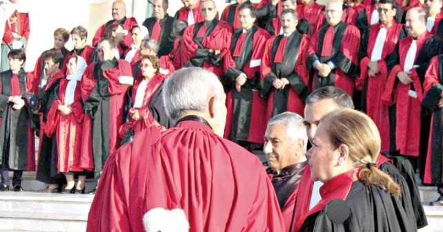 الجزائر: قضاة يعلنون رفضهم الاشراف على الانتخابات حال مشاركة بوتفليقة