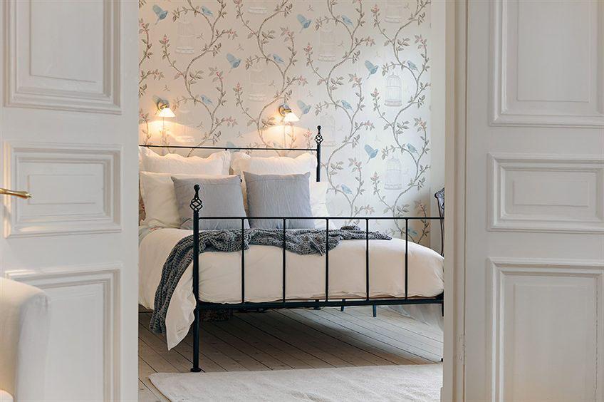 Petite elegant apartment in Stockholm