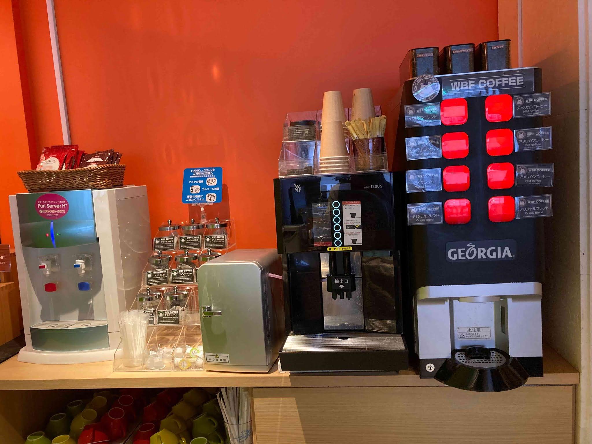 ホテルWBFアートステイ那覇 お茶やコーヒーも飲み放題です