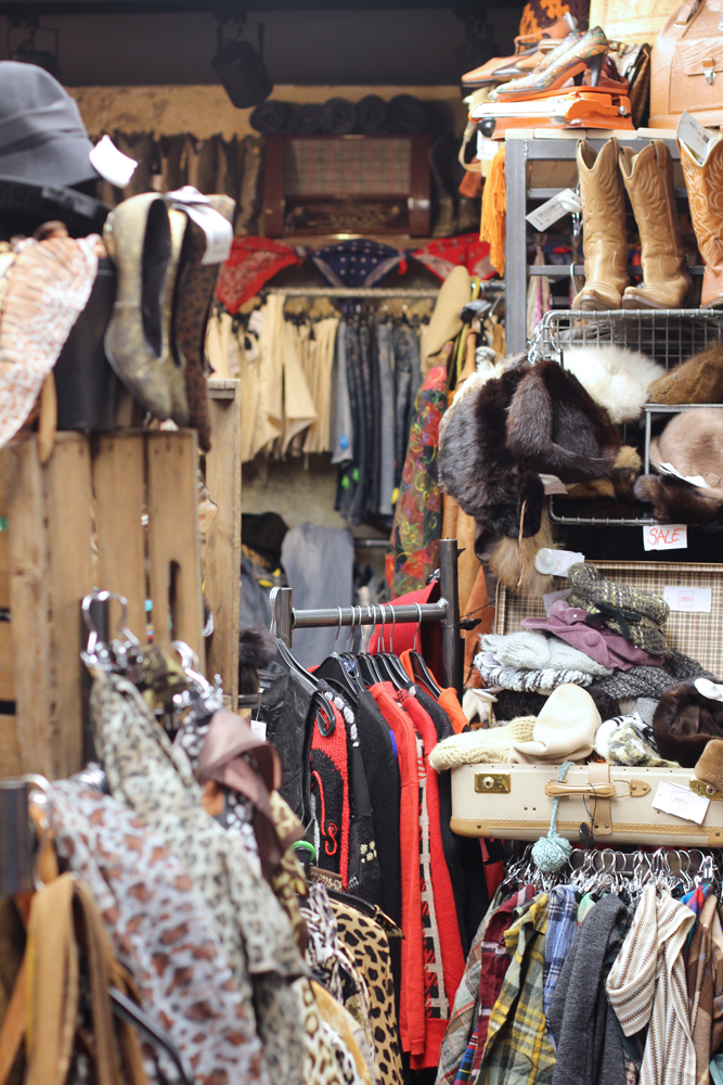 Vintage shopping in Berlin - travel & lifestyle blog