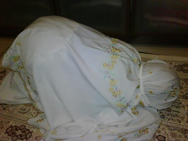 Wajib Tahu !! Kapan Wanita Memulai Sholat Dzuhur di Hari Jum'at