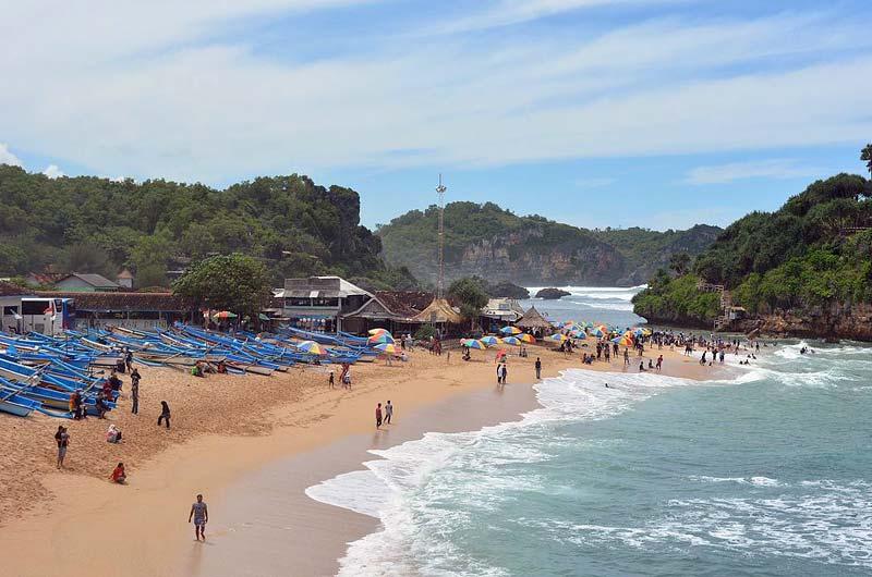 Pantai Drini Yogyakarta