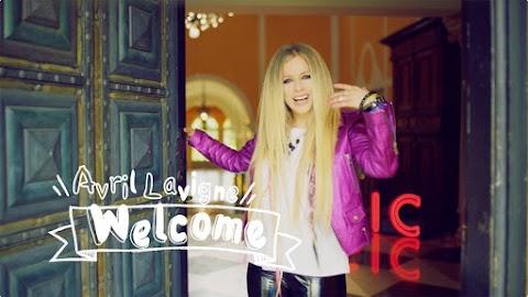 Billboard: Avril Lavigne hace su limpieza como una verdadera Sk8er mientras está en cuarentena