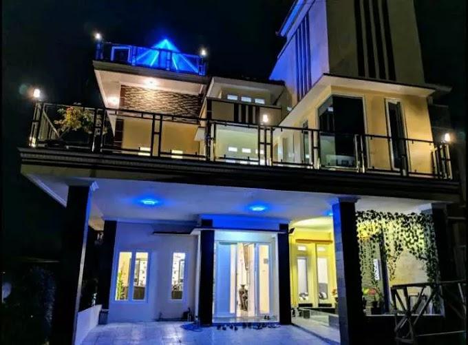 Villa Pyramid Batu Malang