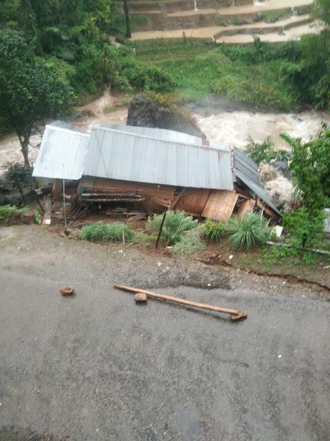 Longsor di Desa Pattongko, 1 Rumah Warga Terdampak