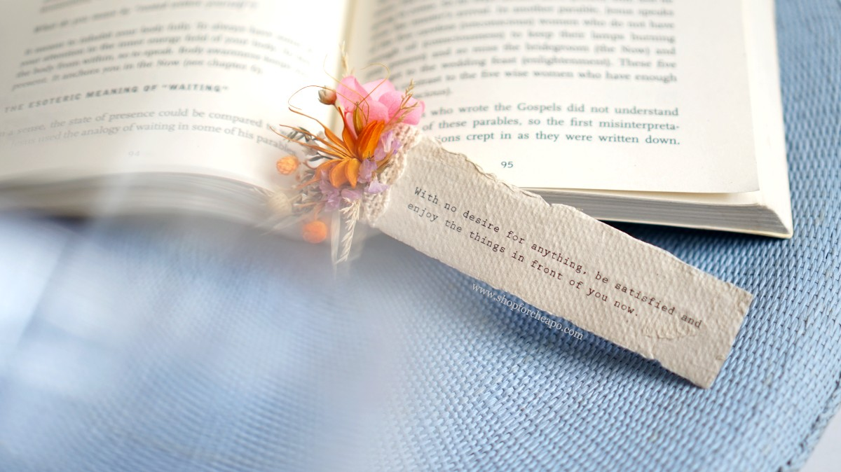flower bookmark dengan quote
