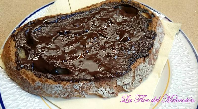 Pan con chocolate y aceite