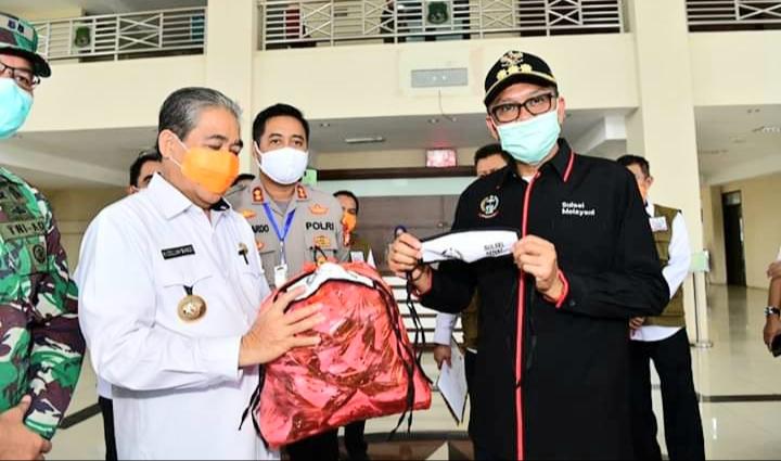 Gubernur Nurdin, Pantau Kebutuhan Medis dan Kebutuhan Pokok Masyarakat di Sejumlah Kabupaten di Sulsel Harus Terpenuhi