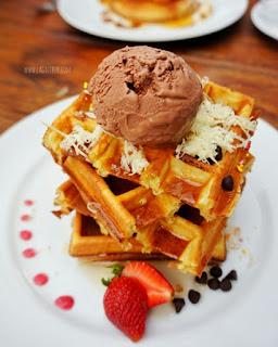 Waffle Afternoon Tea Saripetojo