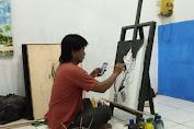 Kang Sulit Seniman Lukis dari Carenang Lebih Produktif dalam Berkarya Walau di Masa Pandemi