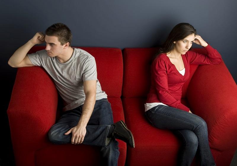 3 Razões Pelas Quais a Falta de Comunicação no Casamento Pode Ser Prejudicial