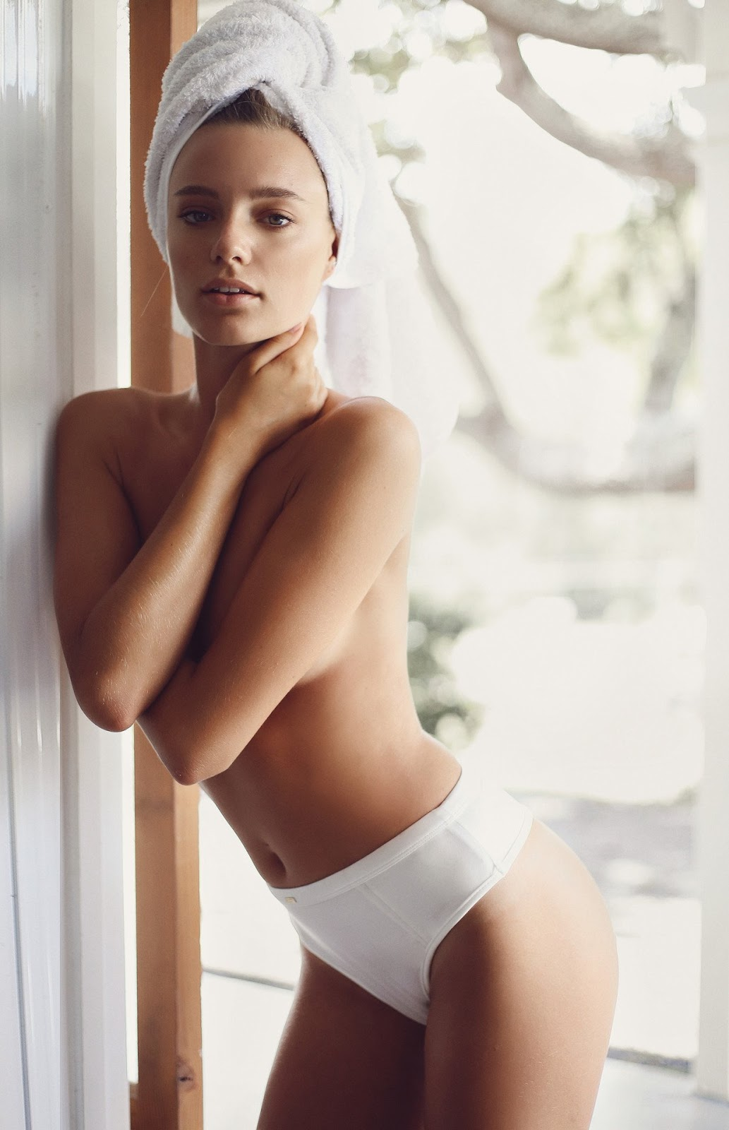 Nude lingerie pictures