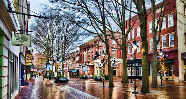 Travelhoteltours has amazing deals on Charlottesville Vacation Packages. Save up to $583 when you book a flight and hotel together for Charlottesville. Extra cash during your Charlottesville stay means more fun!