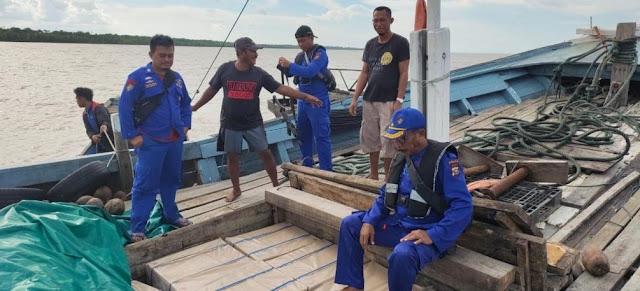 Ditpolair Polda Riau Amankan Kapal Angkut Ribuan Kardus Rokok Ilegal