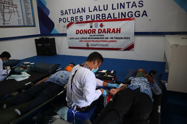 Satlantas Polres Purbalingga Menggelar Donor Darah Dalam Rangka Menyambut Hari Lalu Lintas Bhayangkara