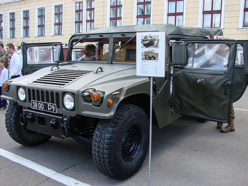 HMMWV M998 3800 Р9