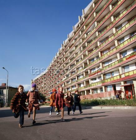1978-79-й годы. Рига. Пурвциемс. Возле дома по улице Иерикю, 66. Фото: Лисицын Виктор/Фотохроника ТАСС