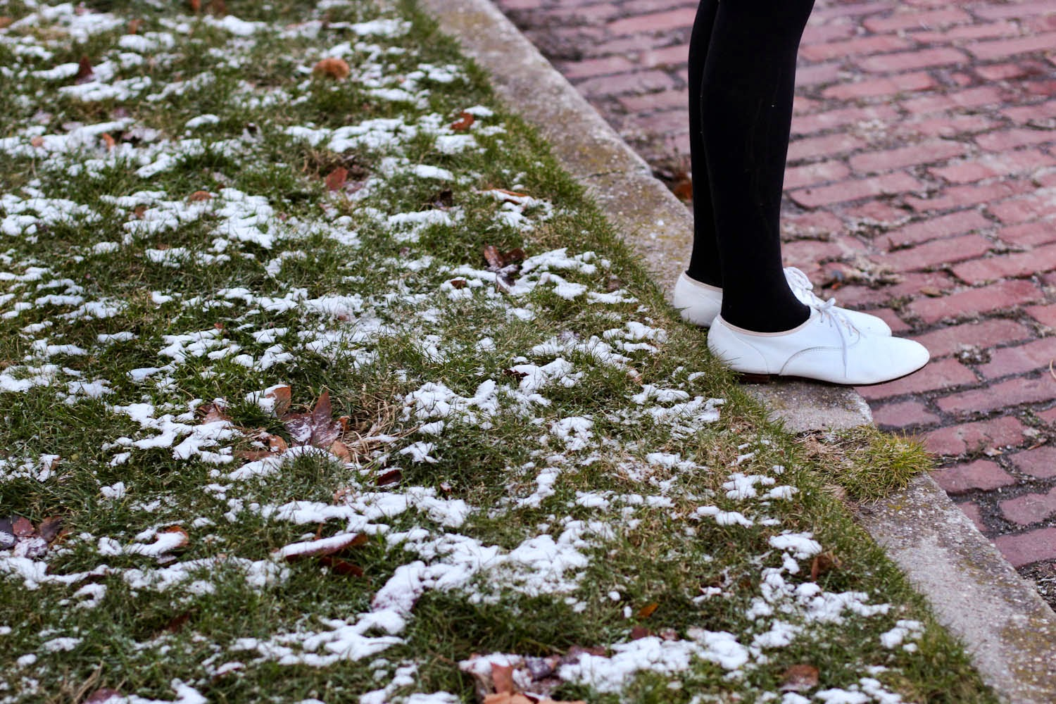 long beach ny snow, vintage white oxfords