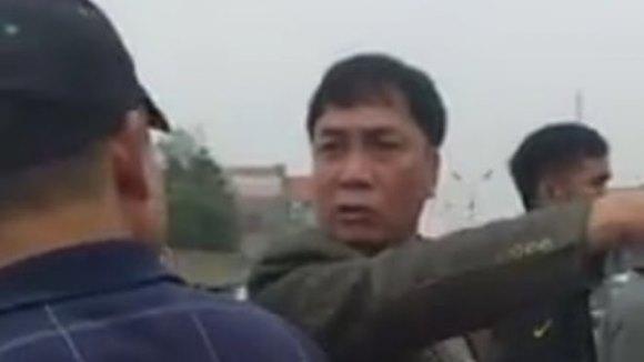 Chủ tịch xã xưng 'mày tao' với dân khi đi xử lý cầu xây trái phép