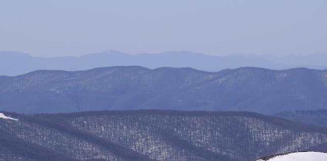 Kralova Hola z Halicza 193,6 km w lini prostej fot.S.Cyzio - zdję╬cie realne
