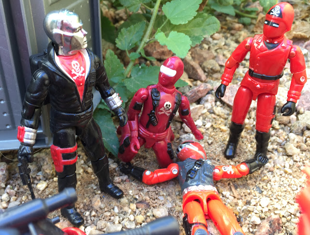 Red Shadows Cobra Invasor, Black Major, Snake Eyes, Factory Custom, Action Force, Bootleg, Hunter, Cobra Officer, Red Laser, Red Jackal, Cobra Commander, Destro, Steel Brigade