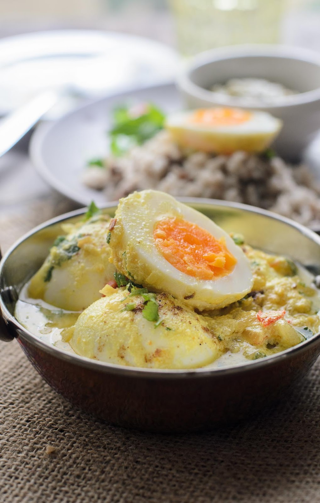 Tasty Eggs in Spiced Yogurt Sauce