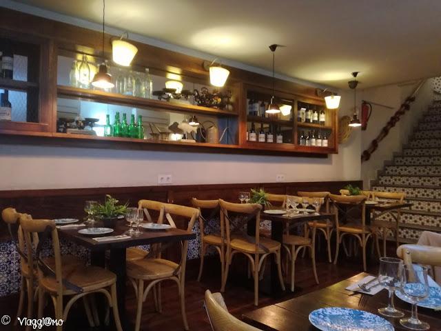 Interno del ristorante El Rincon nel quartiere di El Raval