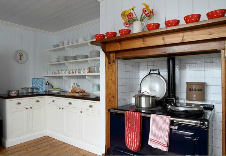 coastal cottage beach house kitchen