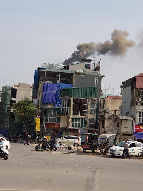 Đến 14h20 phút, đám cháy cơ bản được khống chế