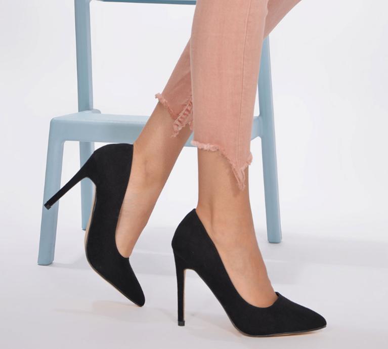 Fitness And Chicness-Calzado Negro-Salones