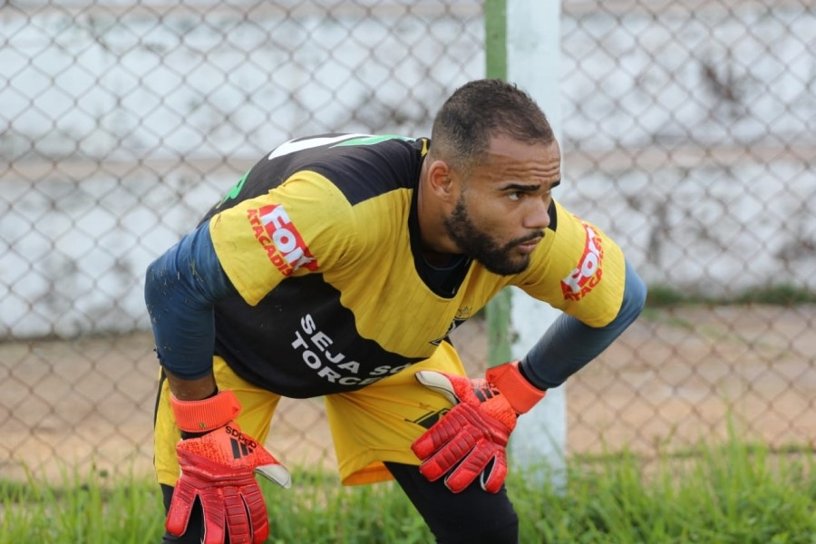 goleiro do Mixto