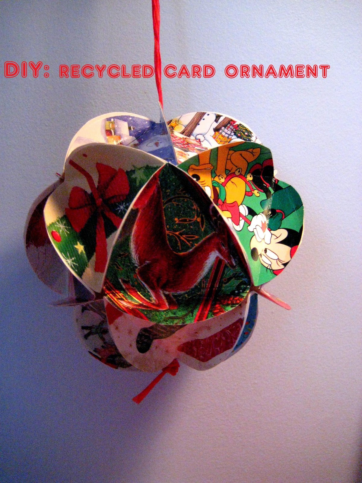 Needles and Wool: DIY: Recycled Card Ornament
