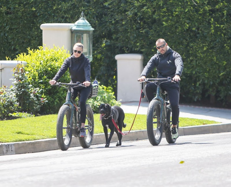 Robin Wright, and Clement Giraudet Outside Riding Bikes in LA 28 MAr -2020