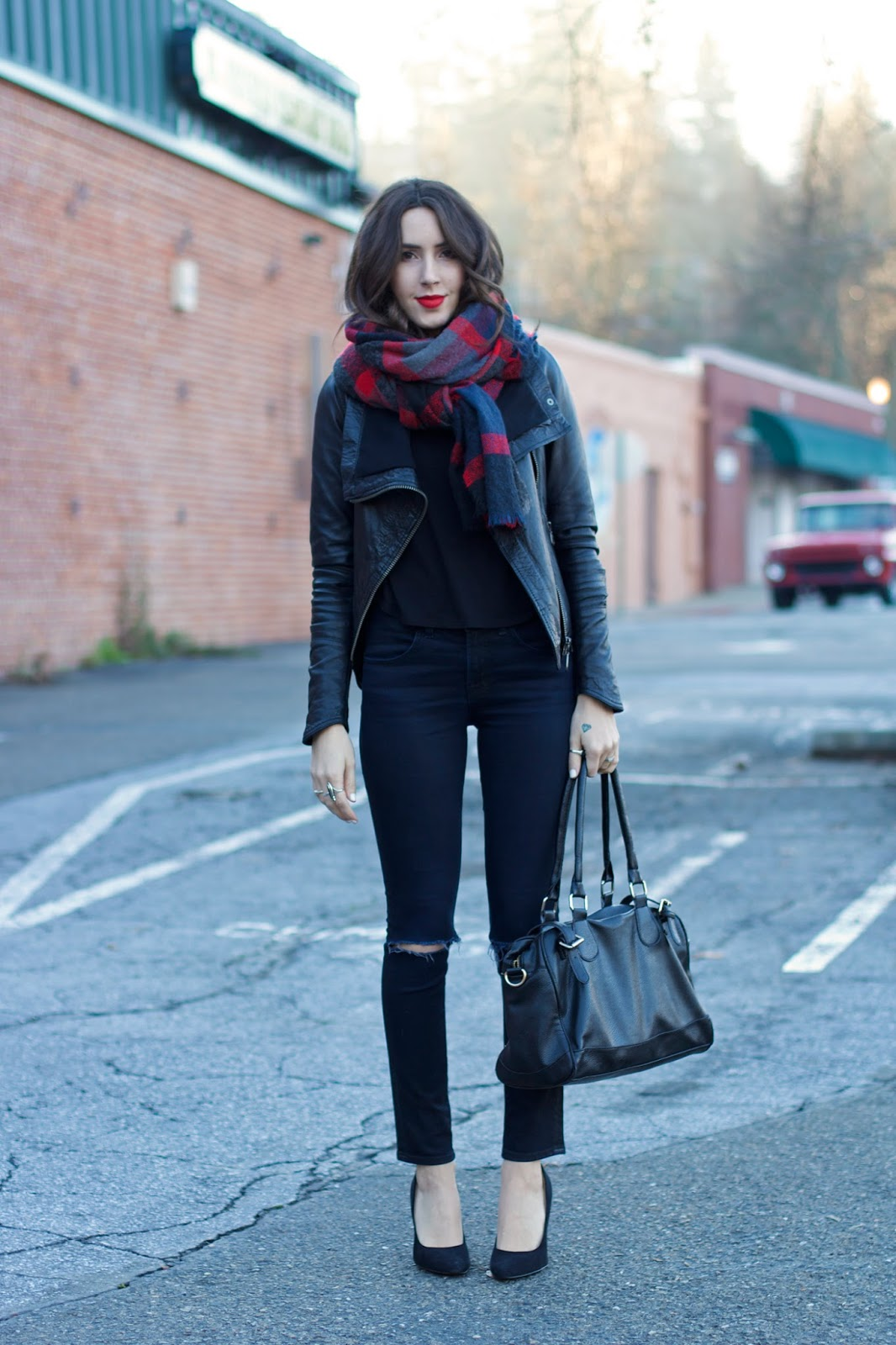 all-black-outfit-idea