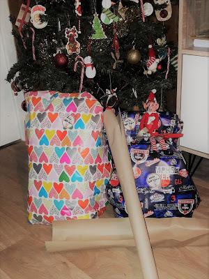 lutin de noel betises craft idées elf on the shelf papier cadeau
