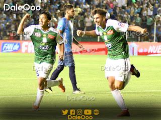 Lucas Mugni y John García festejan el segundo gol de Oriente Petrolero en el Clásico Cruceño 188 - DaleOoo