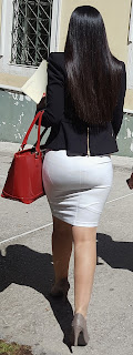 Sexy mujer oficina calle ropa apretada