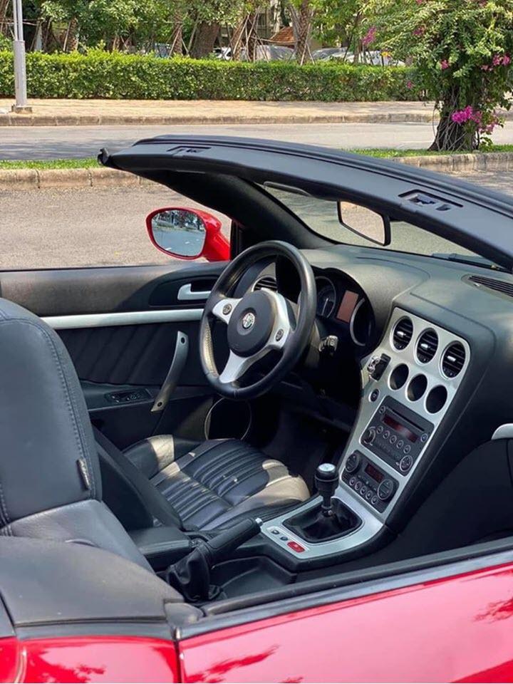 Alfa Romeo Spider độc nhất Việt Nam rao giá hơn 900 triệu đồng