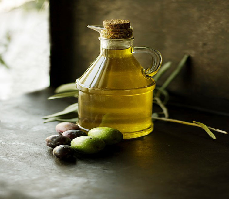 16 Amazing Health Benefits of Olive Oil