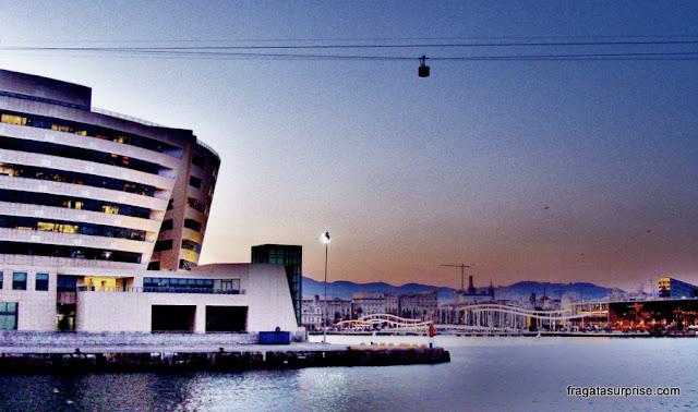 passeio de barco pelo Porto de Barcelona