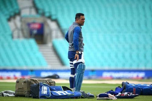 Cricket News:भारतीय क्रिकेटर इरफान पठान ने कहा धोनी को स्पष्ट रूप से खेलने की जरूरत है