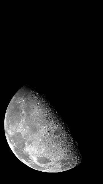 خلفية هاتف تصوير جميل للقمر