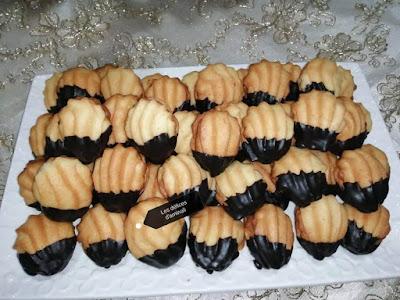 حلويات العيد 2021 : بيتي فور بالزيت خفيف وهش يذوب في الفم