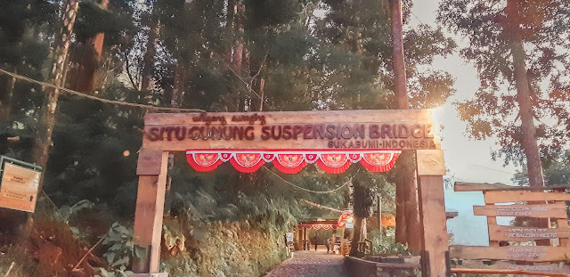 harga-tiket-masuk-situ-gunung-suspension-bridge