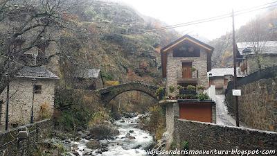 Pueblo y puente medieval de Tavascán