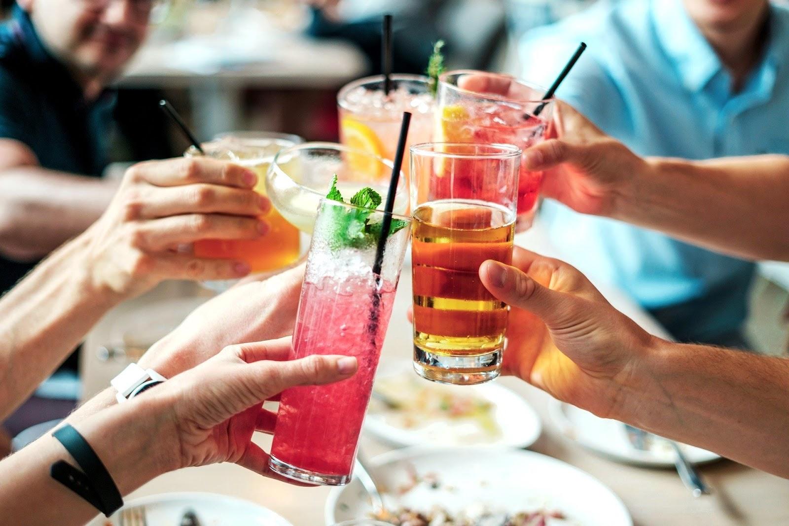 Zaskocz swoich gości kolorowymi drinkami! - Whiskey Rocks