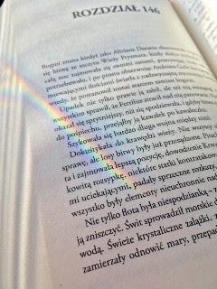 """I nastała światłość, czyli koniec sagi o Powierniku Światła, """"Gorejąca biel. Tom II"""" Brent Weeks, fot. paratexterka ©"""