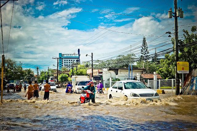 बारिश ग्रस्त शहरी जीवन